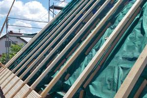 Die Aufdopplung von alten Dachsparren muss gut geplant sein
