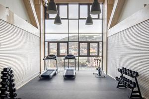In dem multifunktionalen Gebäude ist auch ein Fitness-Studio untergebracht