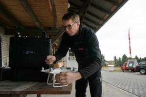 Dachdeckermeister Thomas Potthast setzt zwei Drohnen in seinem Dachdeckerbetrieb ein. In Detmold ist er einer der ersten Dachdecker, die das tunFoto: Stephan Thomas