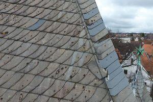 Mit dem Foto der Drohne lässt sich das Dach der Martin-Luther-Kirche ganz genau betrachten, ohne eine Leiter benutzen zu müssen <br /><br />