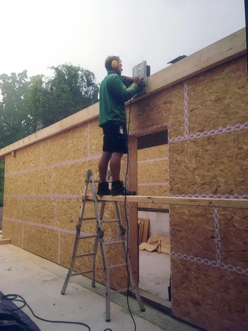 Wie Ein Azubi Zum Zimmermann In Roetgen Ein Eigenes Haus In