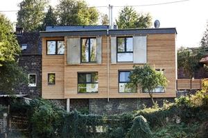"""Auf der Gebäuderückseite sieht das """"Basalt Loft"""" in Kottenheim in der Eifel wie ein Flachdachhaus aus<span class=""""bildnachweis"""">Fotos: Behrendt und Rausch Fotografie</span>"""