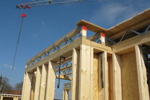 Eine Zwischendecke aus Parallelträgern auf einem Holzrahmenbau<br />