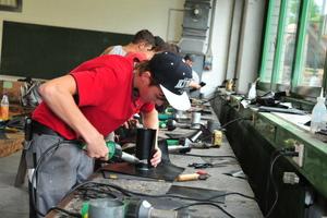 Die Ausbildung zum Dachdecker ist spannend und abwechslungsreich - das sollen Schüler auf einer neuen Nachwuchs-Internetseite des ZVDH erfahren Foto: ZVDH