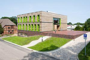 """Das Bild zeigt den Neubau der Fachagentur Nachwachsende Rohstoffe (FNR) in Gülzow-Prüzen (Mecklenburg-Vorpommern)<br /><span class=""""bildnachweis"""">Foto: FNR</span>"""
