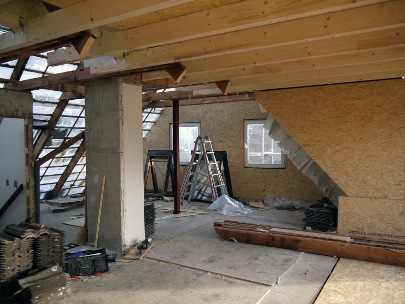 Ubergang Vom Alten Dachgeschoss Zum Neuen Anbau