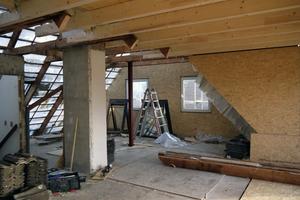 Übergang vom alten Dachgeschoss zum neuen Anbau