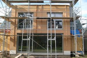 Der neue Anbau in Holzrahmenbauweise, gedämmt mit Holzfaserdämmplatten<br />