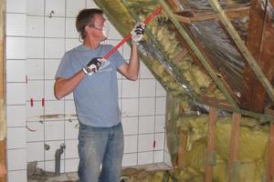Der alte Dachstuhl vor der Sanierung, die Dämmung wurde später komplett ausgetauscht<br />