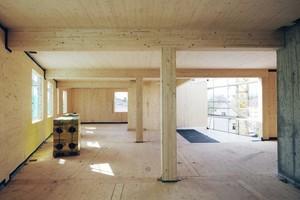 """Träger, Stützen und Decken bleiben nach der Fertigstellung sichtbar. Die Wände werden aber mit Gipskartonplatten beplankt<span class=""""bildnachweis"""">Foto: Peter Eichler</span>"""