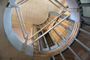 Rechts: Hier führt später eine Stahlwendeltreppe vom zweiten in das dritte Geschoss<br />