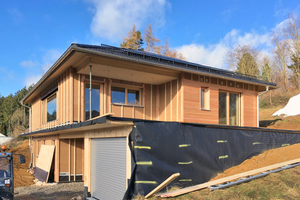 """Nach sechs Wochen Bauzeit ist das Haus winterdicht<span class=""""bildnachweis"""">Fotos: Staudenschreiner</span>"""
