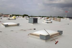 """Von oben nicht zu sehen: Auf insgesamt 8000m² Dachfläche kommen die Nässe-Sensoren zum Einsatz<span class=""""bildnachweis""""></span>"""