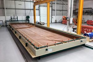 Wie hier am Innovation Center in Schottland, wird die Woodtec-Vakuumpresse von vielen Klein- und mittelständischen Unternehmen eingesetzt, um BSP selbst herzustellen