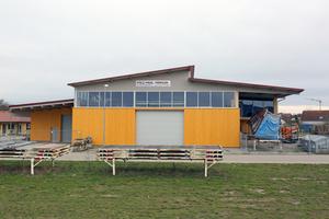 """Der Holzbaubetrieb hat den Neubau in einem Industriegebiet im badischen Merdingen, unweit von Freiburg, erstellt<div class=""""bildnachweis"""">Foto: Rüdiger Sinn</div>"""