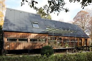 """Creaton bezuschusst mit der Aktion """"Sanieren und Kassieren"""" die Dachsanierung mit FaserzementproduktenFoto: Creaton AG"""