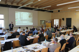 Die Teilnehmer des Kongresses, darunter Architekten und Holzbauer, hörten Vorträge zu Holz-Hybridbau, Bauwerksabdichtung, Trittschalldämmung und mehr