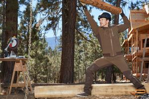 """Die robuste Stretchbekleidung """"E. S. Dynashield"""" macht quasi jede Bewegung mit <br />"""