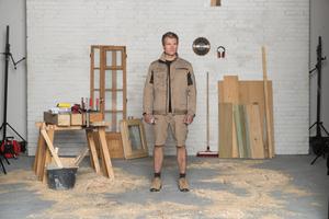 """Hosen und Jacken der """"StretchX""""-Kollektion bestehen aus einem elastischen Gewebe"""