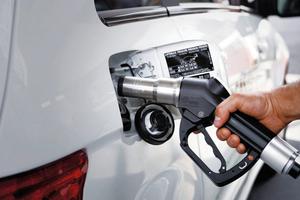 """Ein Auto mit Erdgas-Antrieb erzeugt weniger Stickoxide als ein Diesel. Das Tankstellennetz in Deutschland umfasst zurzeit etwa 900 Erdgas-Tankstationen <span class=""""bildnachweis"""">Foto: Zukunft Erdgas/Danny Kurz</span>"""