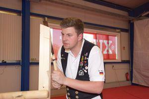 Marcel Renz aus Pfullingen in Baden-Württemberg ist Geselle bei Renz Holzbau & Bedachungen in Pfullingen, derzeit besucht er die Meisterschule in Teilzeit