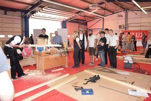 Die Zimmerer-Nationalmannschaft trainierte im April am Velux-Standort in Sonneborn, Thüringen