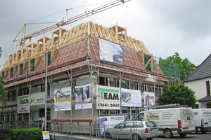 """Flachdachgauben in der Dachfläche sorgen für viel Licht und Raum unter dem Dach<span class=""""bildnachweis"""">Foto: HMF GmbH</span>"""