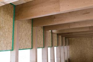 Stützen und Deckenträger bestehen aus verschraubten Buchefurnierschichtholz-Platten <br />