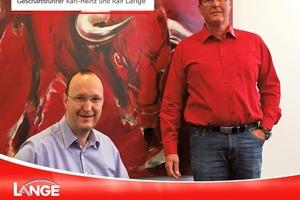 Ralf Lange (rechts im Bild) ist Geschäftsführer der K.-H. Lange GmbH+Co.KG in Oberndorf und zuständig für die Bereiche Dach-, Blech- und Entwässerungsbau