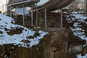 Die Klippenhäuser sind von außen mit Aluminiumverbundplatten verkleidet, innen sorgt Holz an Wänden und Decken für Gemütlichkeit