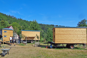 Die fertig gestellten Bauwagen für den Verein Mühlenkraft auf dem Gelände der Harnbachmühle in Hartenstein