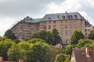 """Die barocke Schlossanlage des Schloss Blankenburg, oberhalb der gleichnamigen Stadt, stammt aus dem 18. Jahrhundert <div class=""""bildnachweis"""">Foto: R. Rossner/Deutsche Stiftung Denkmalschutz</div>"""