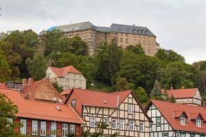 Die Schloss Blankenburg oberhalb der Stadt Blankenburg (Harz)