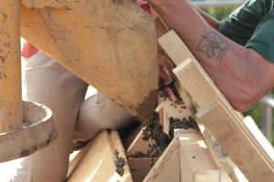 Blick auf die Konstruktion einer der Dachgauben während der Bauzeit