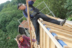 Dachdeckermeisterin Claudia Zauke brachte Wissen und Tatkraft auf der Baustelle ein, wenn es um Dacharbeiten ging<br />