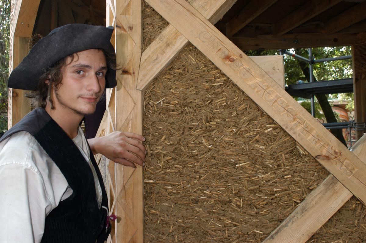 Lehm Wasser Und Gehakseltes Reet Dach Holzbau