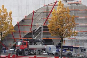 Bau des ellipsenförmigen Eingangsbereichs der Messe Dornbirn (2015-2017)<br />