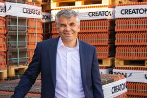 """Creaton-Geschäftsführer Dr. Sebastian Dresse will die führende Position des Unternehmens im Bereich Tondachziegel weiter ausbauen<span class=""""bildnachweis"""">Foto: Creaton</span>"""