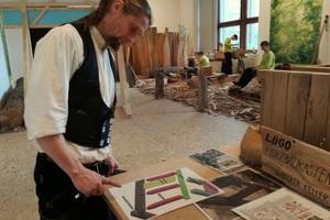 Matthias Posenauer, Diplom-Restaurator und Zimmermannsgeselle, wurde quasi über Nacht zum Betreuer der jungen Jugendbauhüttler<br />