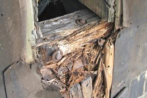 Die Schallöffnungen im Kirchturm waren durch Feuchtigkeit und Hausbockbefall geschädigt