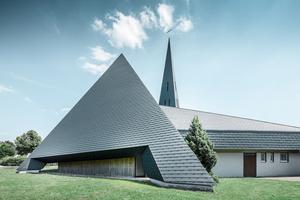 Die 1967 erbaute Mater Dolorosa-Kirche in Langenau nach der abgeschlossenen Sanierung