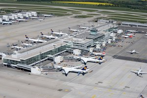 Durch das neue Midfield-Terminal sind 27 gebäudenahe Flugzeugabstellpositionen entstanden