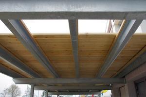 Die Terrasse wird von einer neuen Metallunterkonstruktion aus feuerverzinktem Stahl getragenFotos: Heco