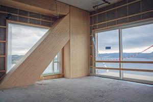 """Das Mjøstårnet ist ein hohes Gebäude mit relativ wenig Gewicht in der Konstruktion<div class=""""bildnachweis"""">Fotos: Moelven</div>"""