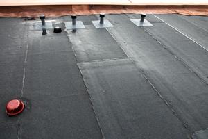 Der Dachablauf ist hier am Tiefpunkt der Gefälledämmung angeordnetFotos/Grafiken: Klöber