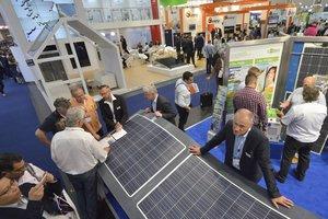 """Unter dem Titel """"The smarter E Europe"""" finden Mitte Mai vier Energiefachmessen in München statt, eine davon ist die Intersolar Europe <span class=""""bildnachweis"""">Foto: Solar Promotion GmbH</span>"""