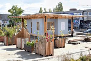 Eine Anerkennung im Bereich Neubau gab es auch für  die Infozentrale auf dem Vollgut-Areal. Sie wurde auf dem ehemaligen Berliner Kindl-Brauereigelände in Berlin-Neukölln gebaut und besteht teilweise aus wiederverwendetem Holz