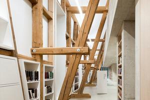 Umbau eines alten Stadels zu einem Büchereigebäude im Zentrum von Kressbronn am Bodensee