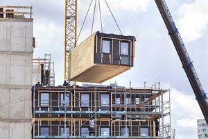 """Neubau des Studentenwohnheims """"Woodie"""" in Hamburg-Harburg aus Holzmodulen, die in Österreich produziert wurden"""