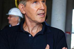 """Projektleiter Wolfgang Müll von Holzbau Amann hat den Planungs- und Bauprozess der Wasserwelt """"Rulantica"""" begleitet<span class=""""bildnachweis"""">Foto: Holzbau Amann</span>"""